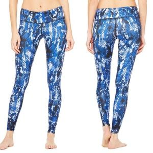 Alo snake print leggings blue size medium (J9)